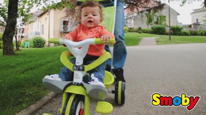 Sommerküche Smoby : Flotter flitzer für kleine entdecker der mitwachsende baby balade