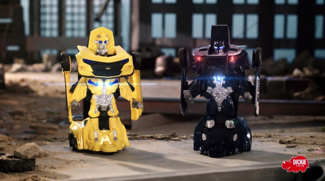 Transformers Robot Fighter Bumblebee und Robot Fighter Barricade von Dickie Toys